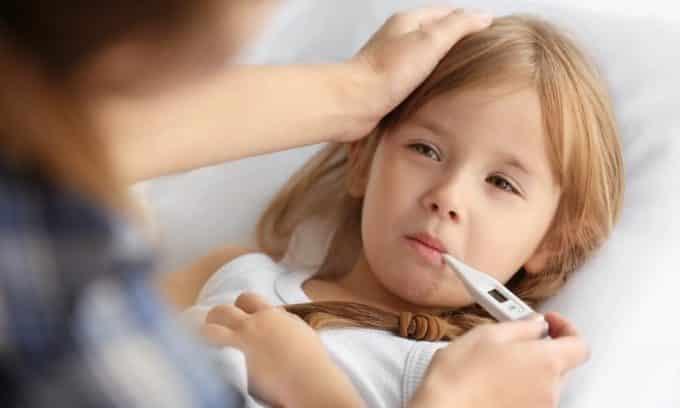При цистите у детей нередко поднимается температура до 39