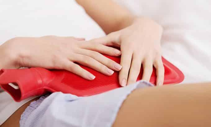 Еще одним методом устранения боли при воспалении мочевого пузыря являются тепловые процедуры