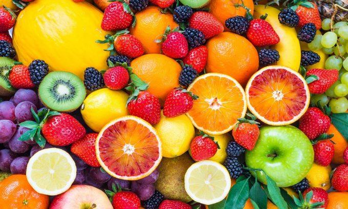 Стоит учитывать, что некоторые продукты могут менять не только цвет, но и некоторые свойства мочи, поэтому за сутки до этого надо исключить из рациона фрукты