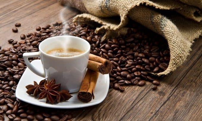 Кофеин раздражает и без того поврежденную слизистую оболочку мочевого пузыря