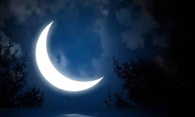 Заговор на убывающую луну можно проводить в любое время суток