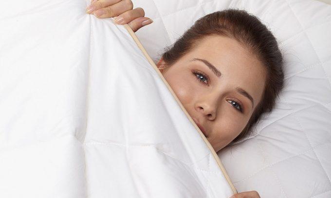 После этого нужно тепло одеться и закутаться в одеяло