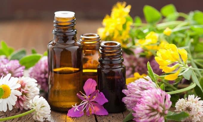 Тепло в сочетании с эфирными маслами пойдет мочевыделительной системе только на пользу, поможет снять боль и жжение в области паха