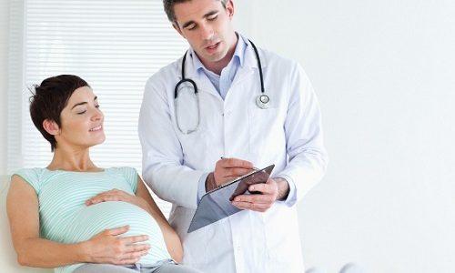 Прописать лечение и дозы, не наносящие вреда плоду, может только врач
