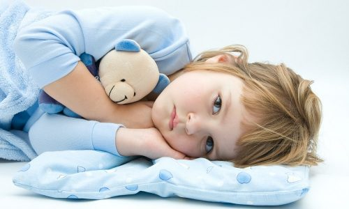 Частыми причинами цистита у детей являются вирусные и кишечные заражения, переохлаждение организма