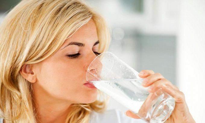 Обильное питье улучшит состояние пациента и поможет снять воспаление мочевого пузыря