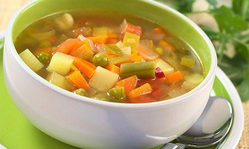 В течение дня в питание можно включать супы на овощном бульоне