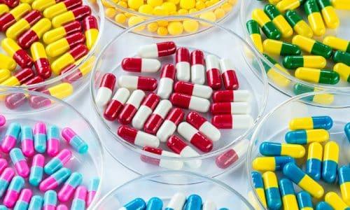 В большинстве случаев медики назначают препараты в таблетированной форме для устранения воспалительного процесса в мочевом пузыре