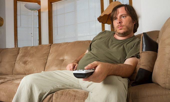 Обострение хронического цистита часто может происходить из-за малоподвижного образа жизни