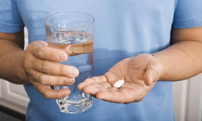 Хронический цистит требует комплексного лечения: антибактериальная терапия, иммунотерапия, противовоспалительные препараты, физиотерапия